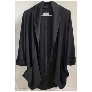 Aritzia Wilfred Chevalier jacket with satin lapel